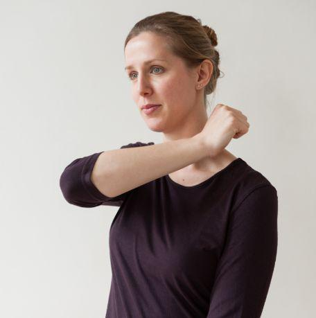 Tap on the shoulder (Gallbladder 21) to release tension. Discouraged during pregnancy.
